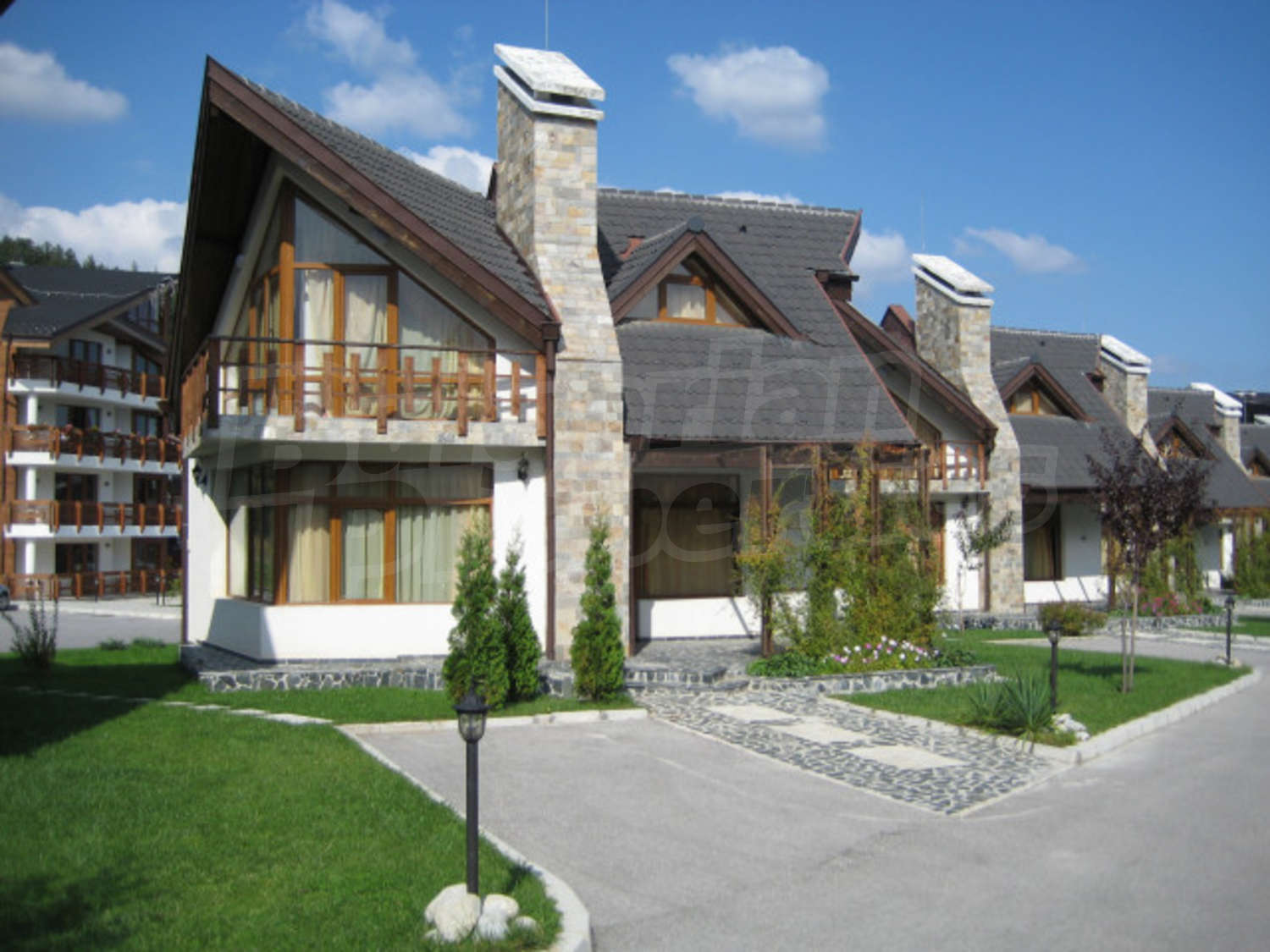BulgarianProperties.com - Beautiful chalet in Redenka Holiday Club, near Bansko
