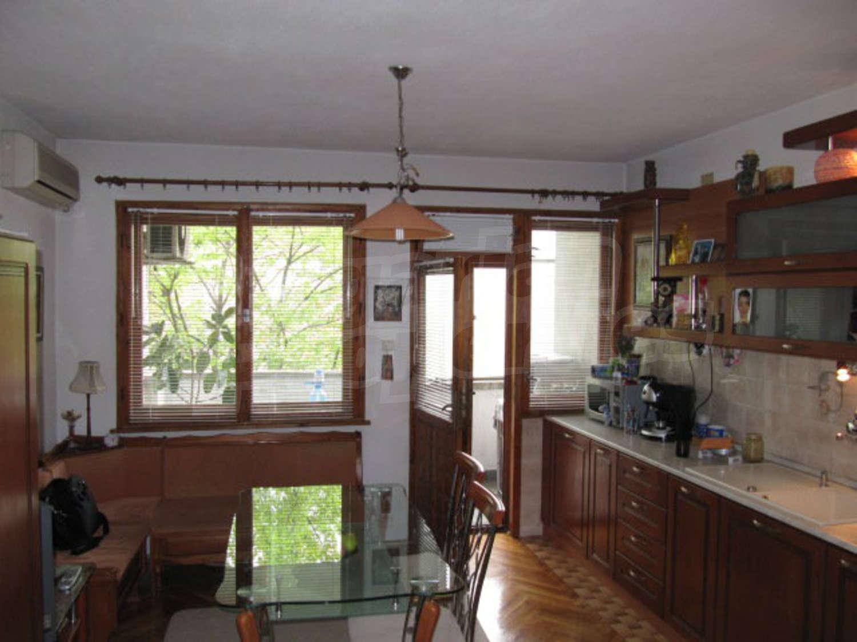 583dffd4f45 Характеристика и допълнителни удобства на имота: Тристаен апартамент за  продажба в гр. Пловдив, кв.