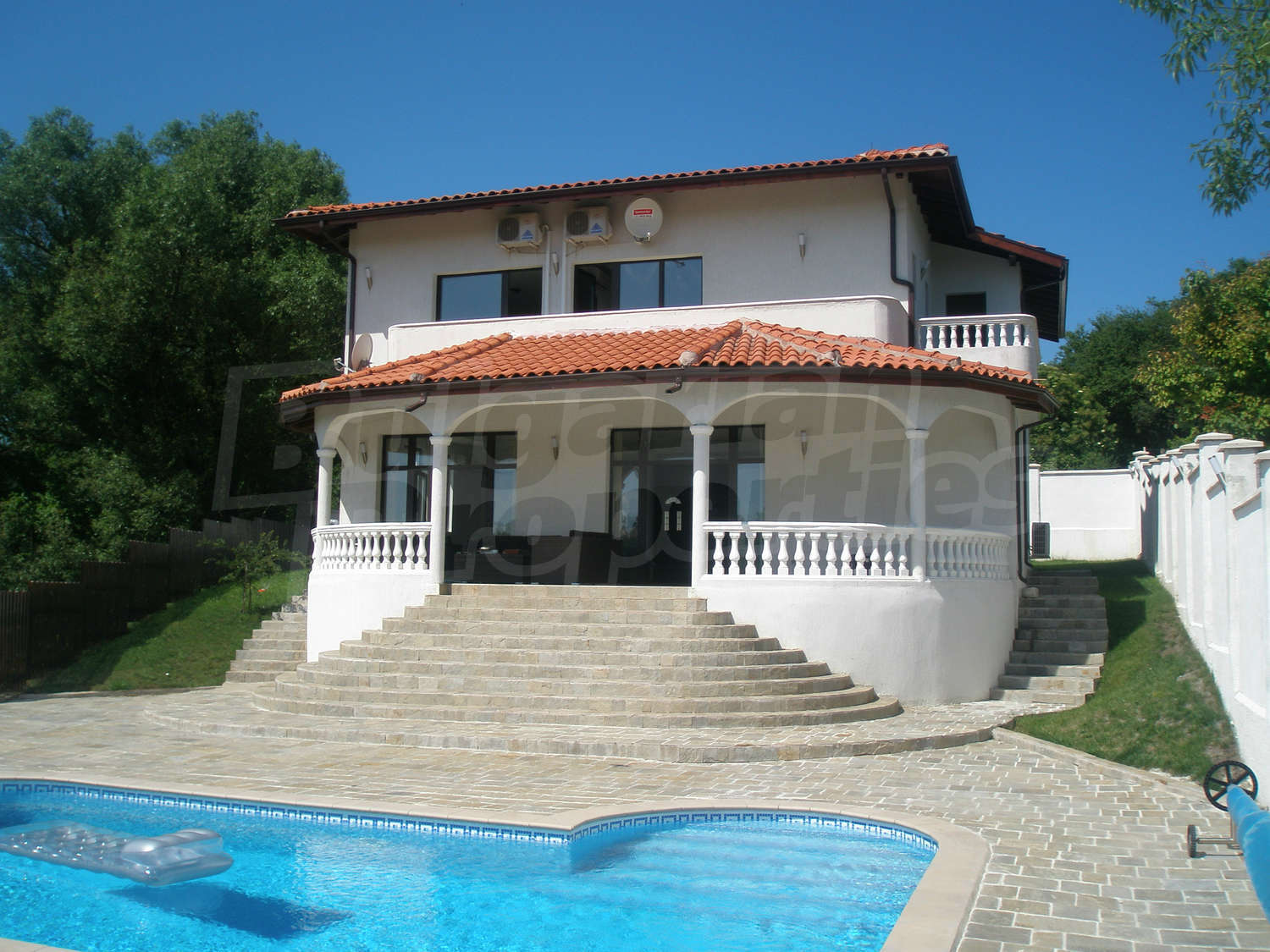 House for sale near varna bulgaria fully furnished for Big house for sale with swimming pool