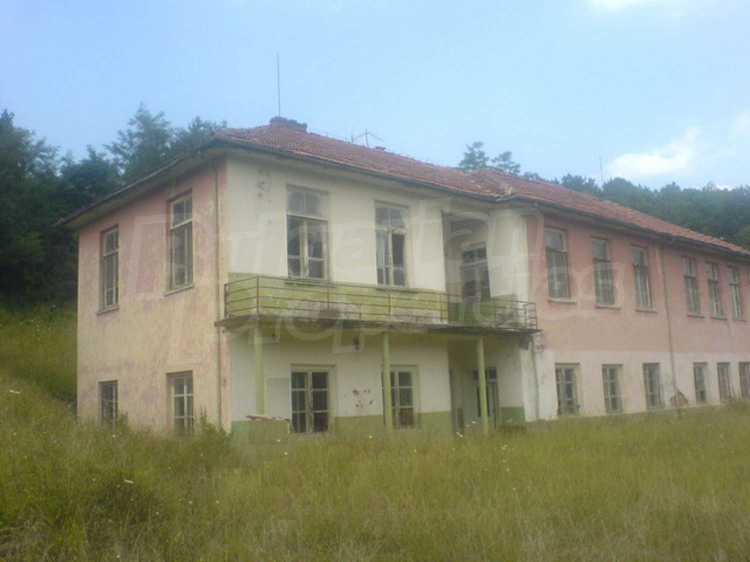 Hotel for sale near troyan bulgaria former school with for Former hotel for sale