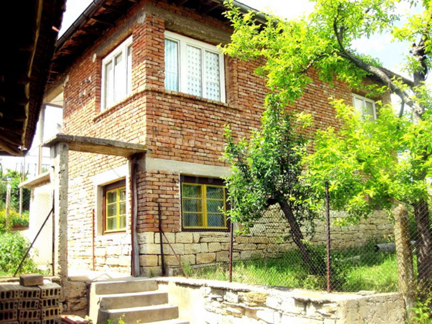 House for sale near rousse bulgaria a big house with for Big nice houses for sale