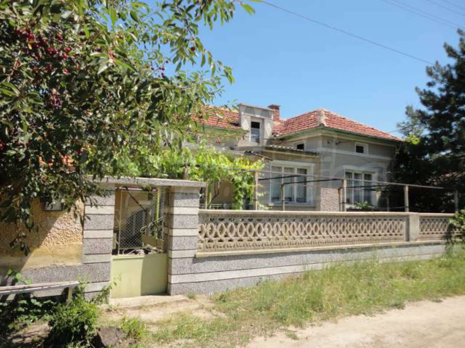 House for sale near stara zagora chirpan bulgaria nice for Big nice houses for sale