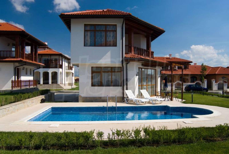 Floral meadows villas for sale near sunny beach bulgaria for Beach house designs florist