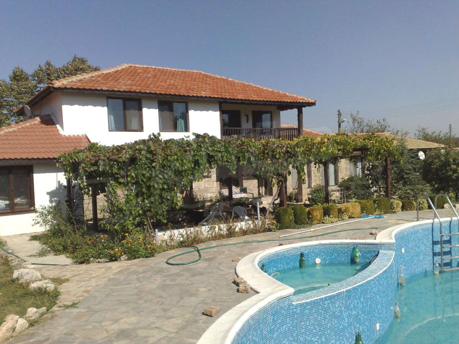 House for sale near varna varna bulgaria big house for Swimming pool close to house