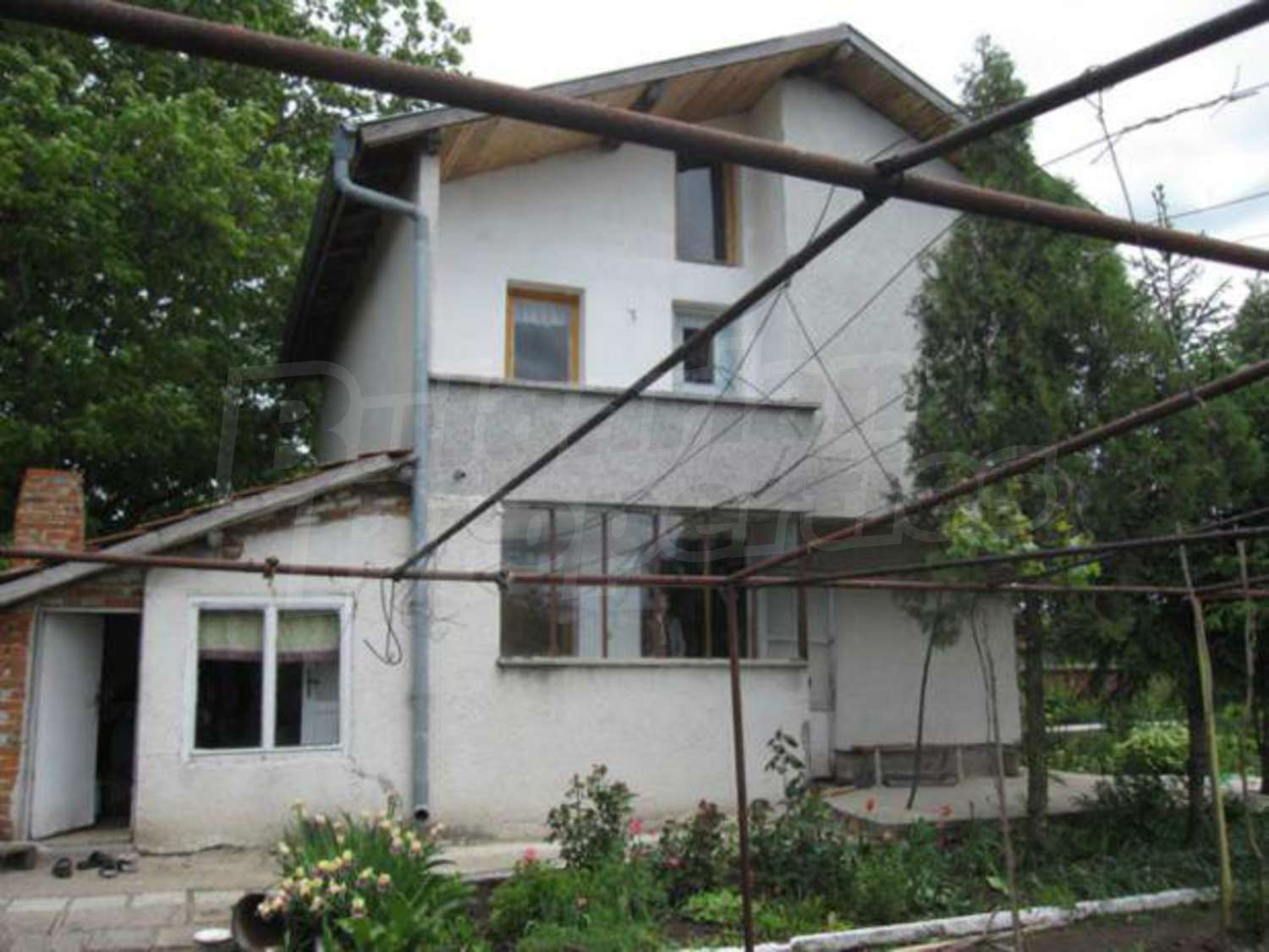 House for sale near burgas bulgaria cheap house with a for Big houses for cheap prices