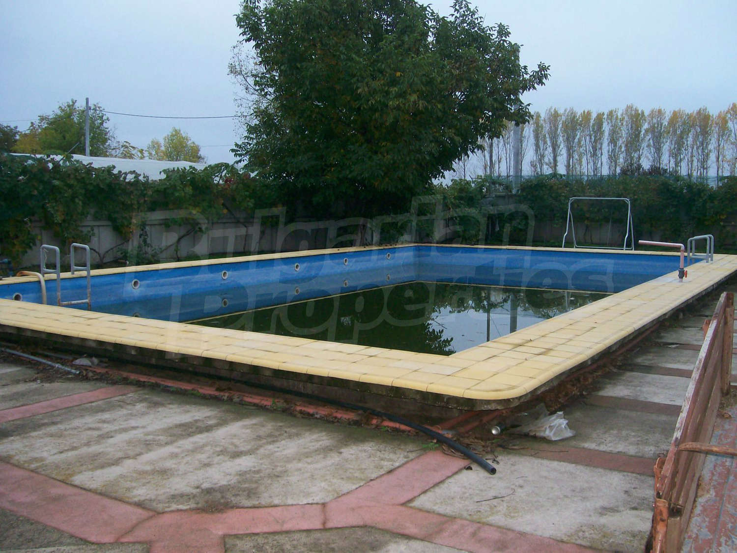 House for sale near vidin bulgaria new house with for Big house for sale with swimming pool