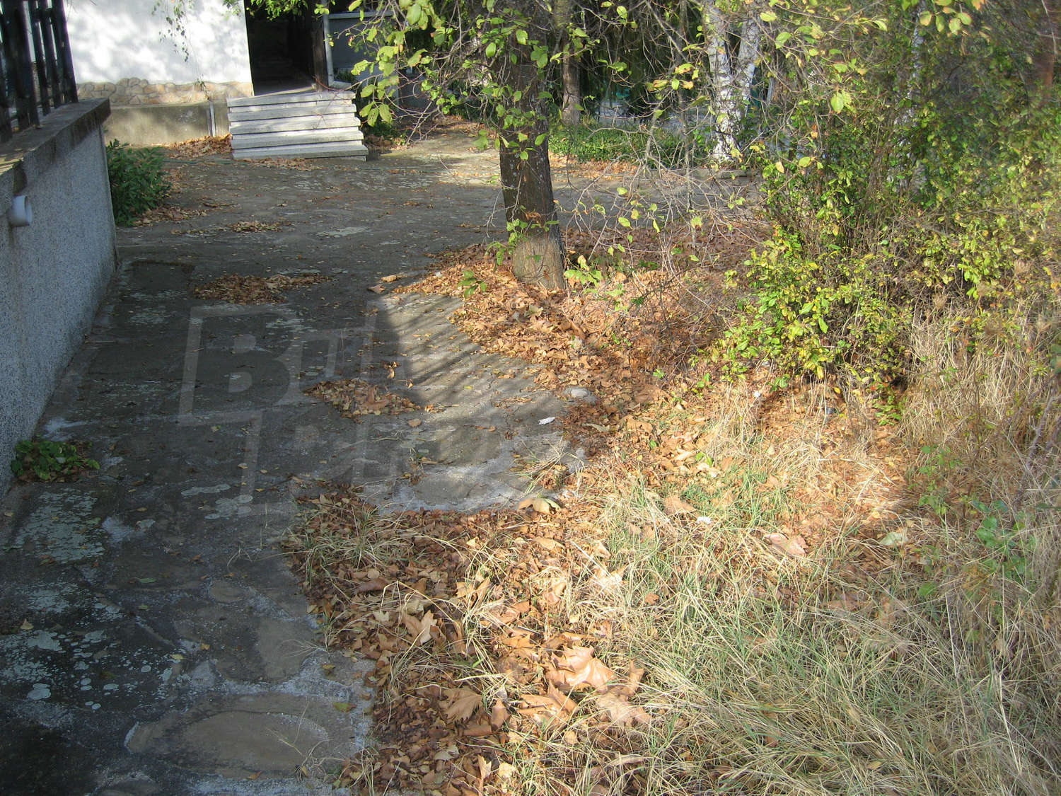 Villa for sale near elhovo bulgaria mountain hut with for Garden huts for sale