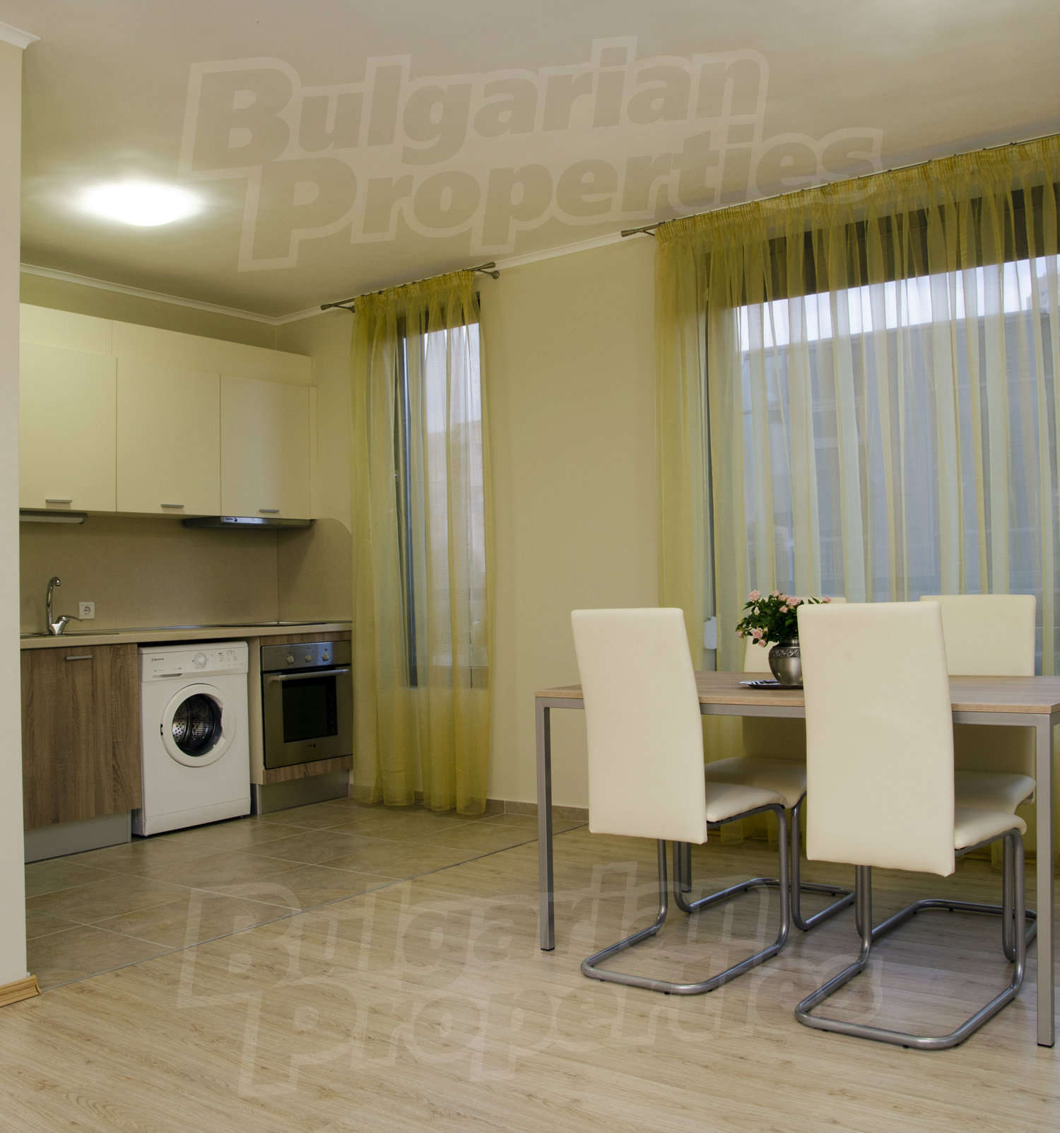 2 Bedroom Apartment For Rent In Nyc: 2-bedroom Apartment For Rent In Royal City Plovdiv In