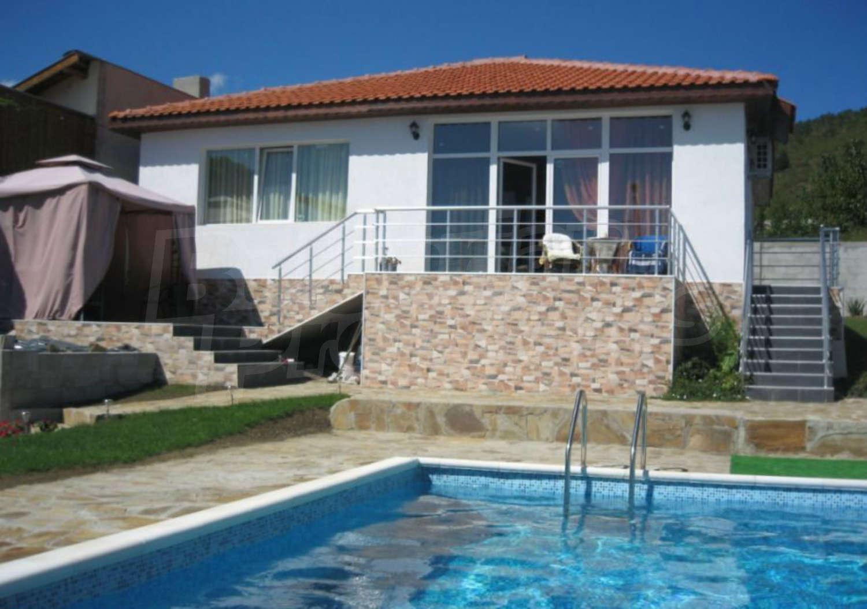 House for sale near burgas bulgaria luxury house with for Big house for sale with swimming pool