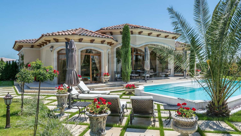 Villa Capri In Sunny Beach A Stylish Holiday Villa 2 5 Km