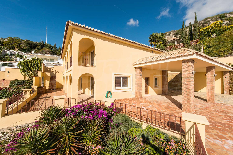 Недвижимость в испании в бенальмадене