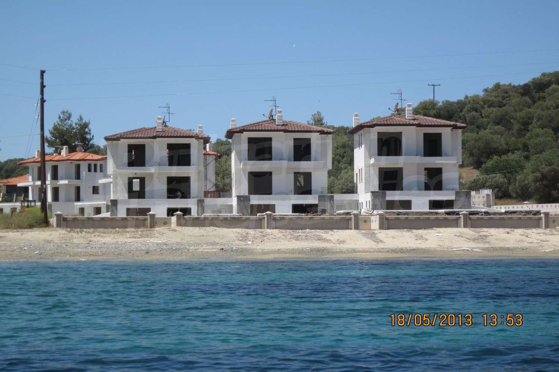 Дом в Неос Мармарас на берегу моря цены недорого