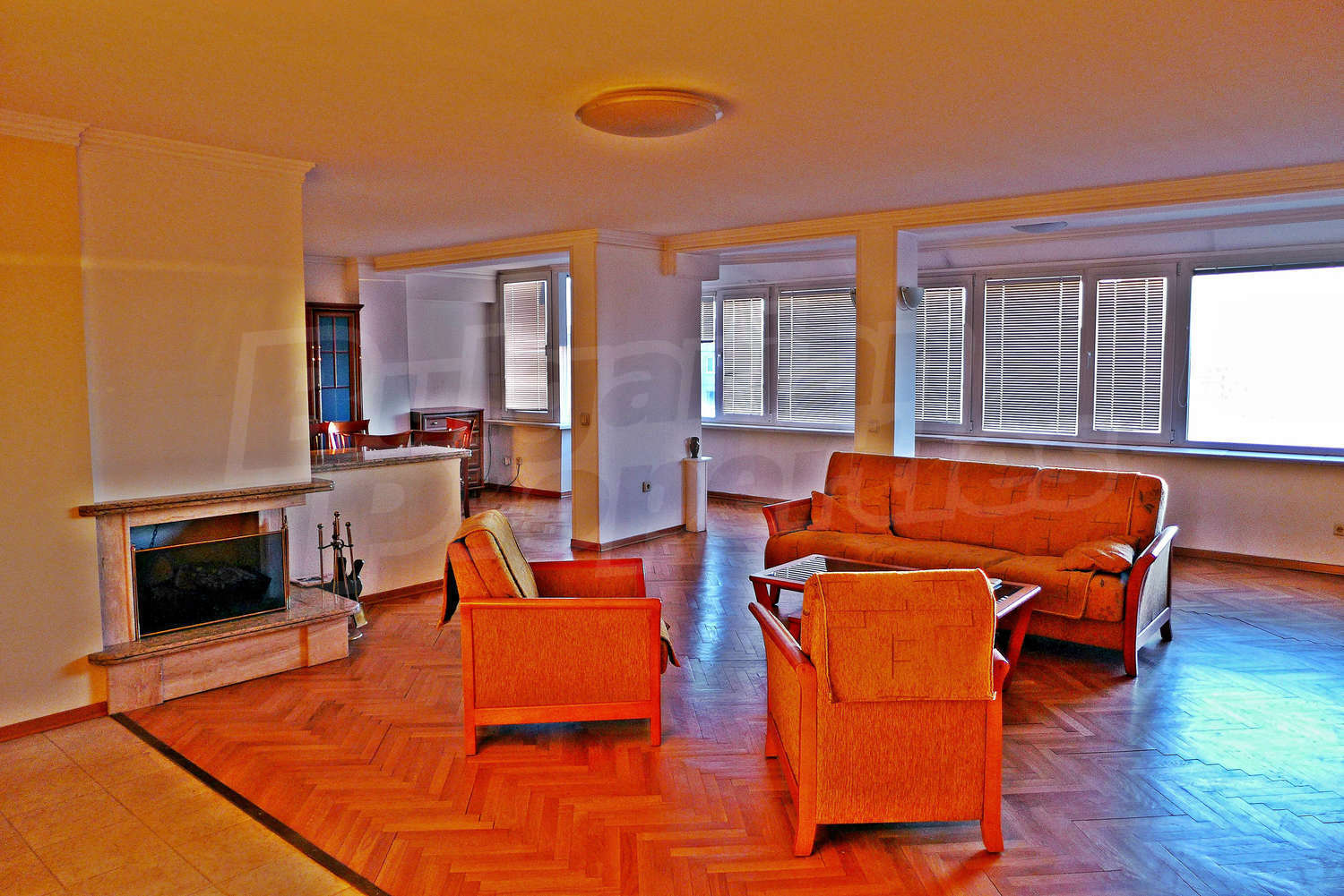 2 bedroom apartment for rent in sofia quarterpoduyane for Big garage for rent