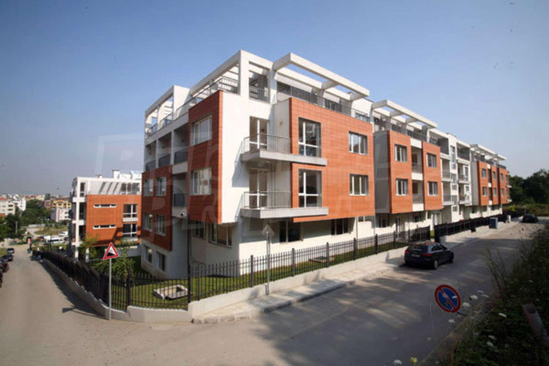 Garage for rent in sofia quarterstudentski grad hristo for Big garage for rent