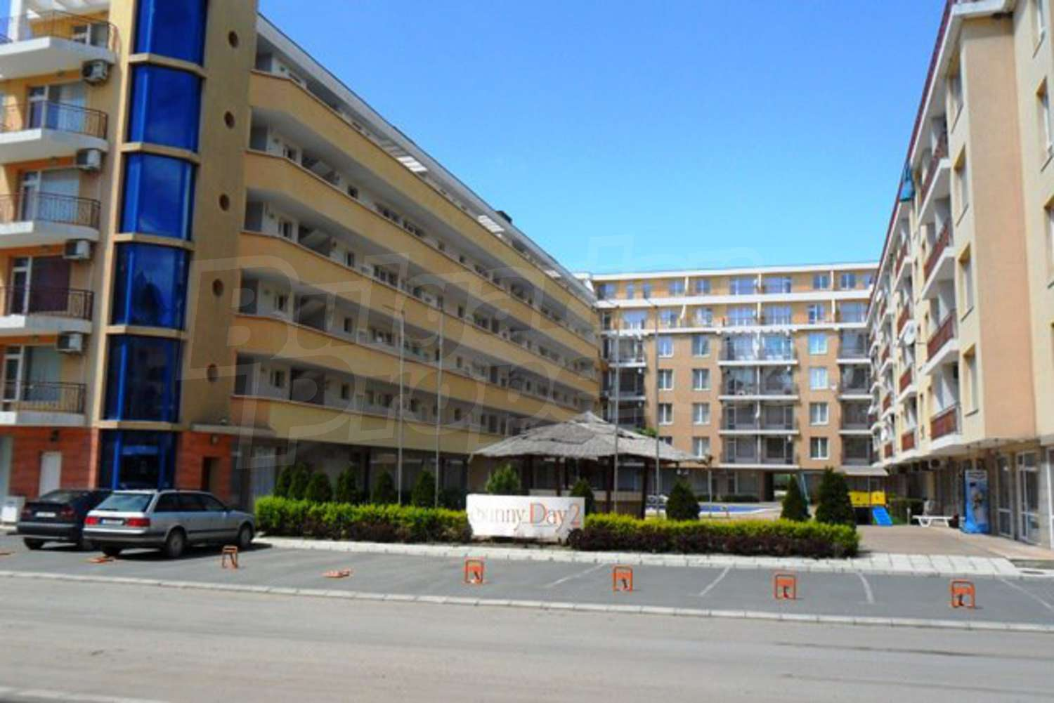 Fully Furnished 2 Bedroom Apartment In Sunny Day Complex
