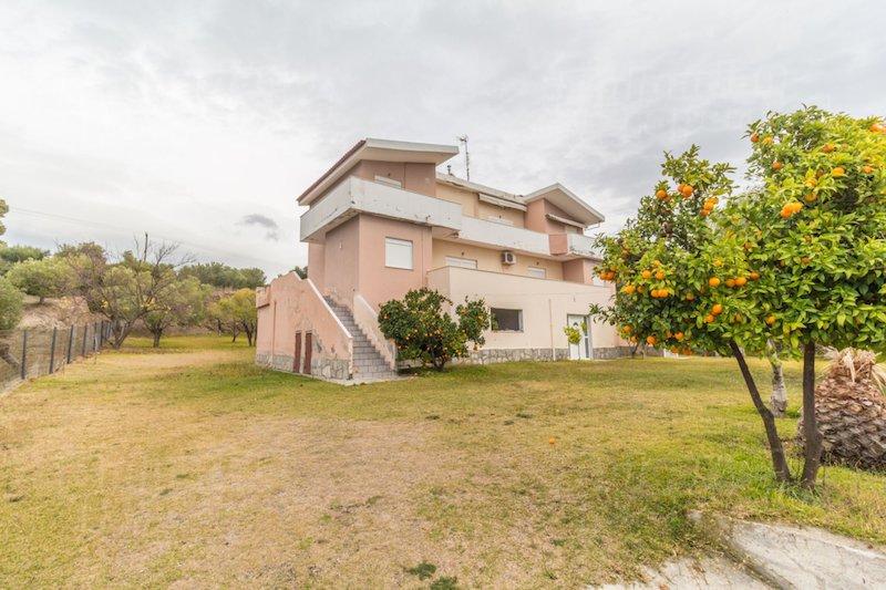Дом в Неос Мармарас в сельской местности