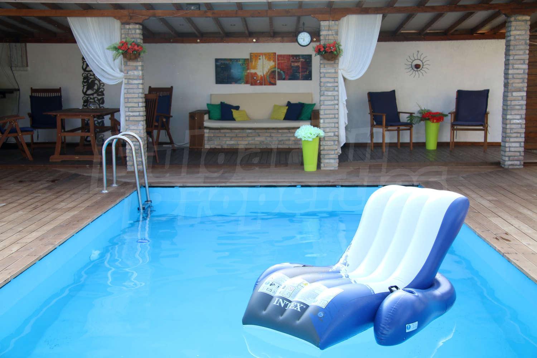 House for sale near plovdiv bulgaria house with swimming for Big house for sale with swimming pool