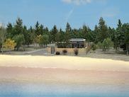 Красива вила с градина на пясъчен плаж в Полихроно