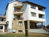 Тристаен апартамент в Кранево