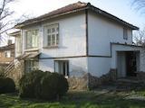 Красива къща в малко селце в близост до град Елхово