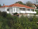 Масивна къща близо до ски курорт Боровец