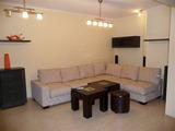 Напълно обзаведен, тристаен апартамент, в широкия център на Варна
