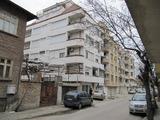 Тристаен апартамент близо до центъра