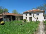 Двуетажна къща до Пловдив