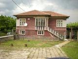 Къща за продан близо до Хасково
