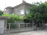Къща за продан недалеч от центъра на Елхово