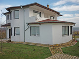 Spacious 3-bedroom house near Varna