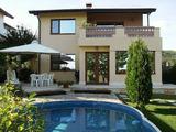 Луксозна семейна къща в село Рогачево