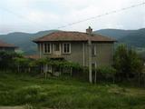 Голям селски имот с двор