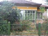 Масивна къща до Видин