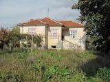 Едноетажна къща близо до Пловдив