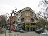 Просторен апартамент в топ център в Пловдив