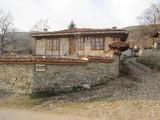 Къща в старобългарски стил в село Жеравна