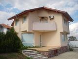 Къща в село Рогачево