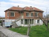 Голяма къща в село близо до гр.Елхово