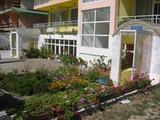 Триетажен семеен хотел в Кранево