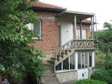 Двуетажна къща в село близо до гр.Елхово