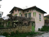House with garden and barn in the picturesque village of Gostilitsa