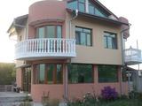Къща на 3 етажа за продажба в село Каменар
