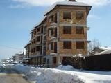 Триетажен хотел на груб строеж в Банско