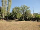 Парцел земя със стара къща в града