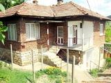 Голяма къща в хубаво село
