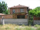 Двуетажна къща в село 60 км от Бургас