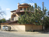 Нова голяма къща с двор в град Ямбол