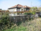 Къща с градина в село 23 км от град Елхово