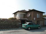 Двуетажна къща с двор на 20 км от Пазарджик